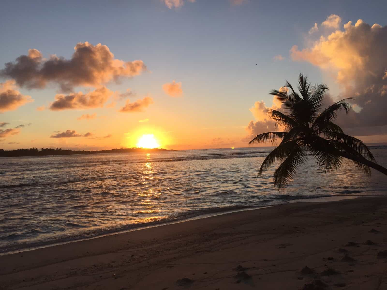 foto tramonto maldive