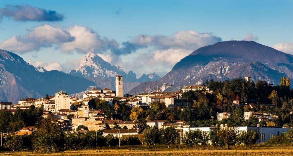 panoramica di san daniele, friuli venezia giulia, prosciutto