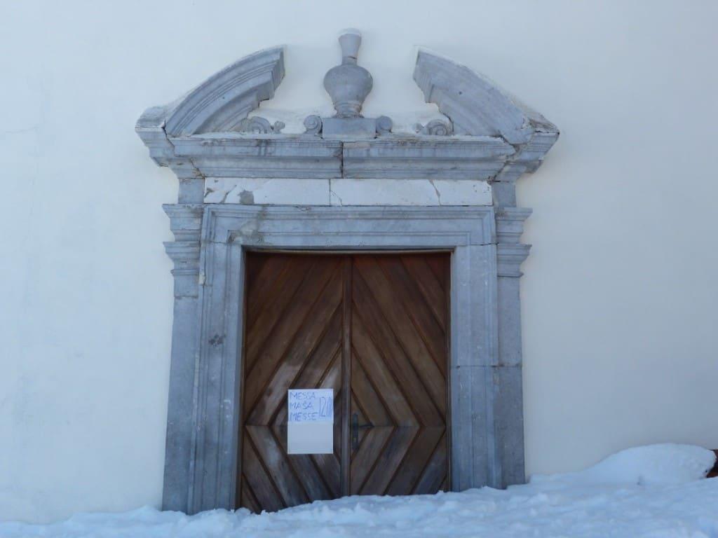 Santuario Lussari con neve