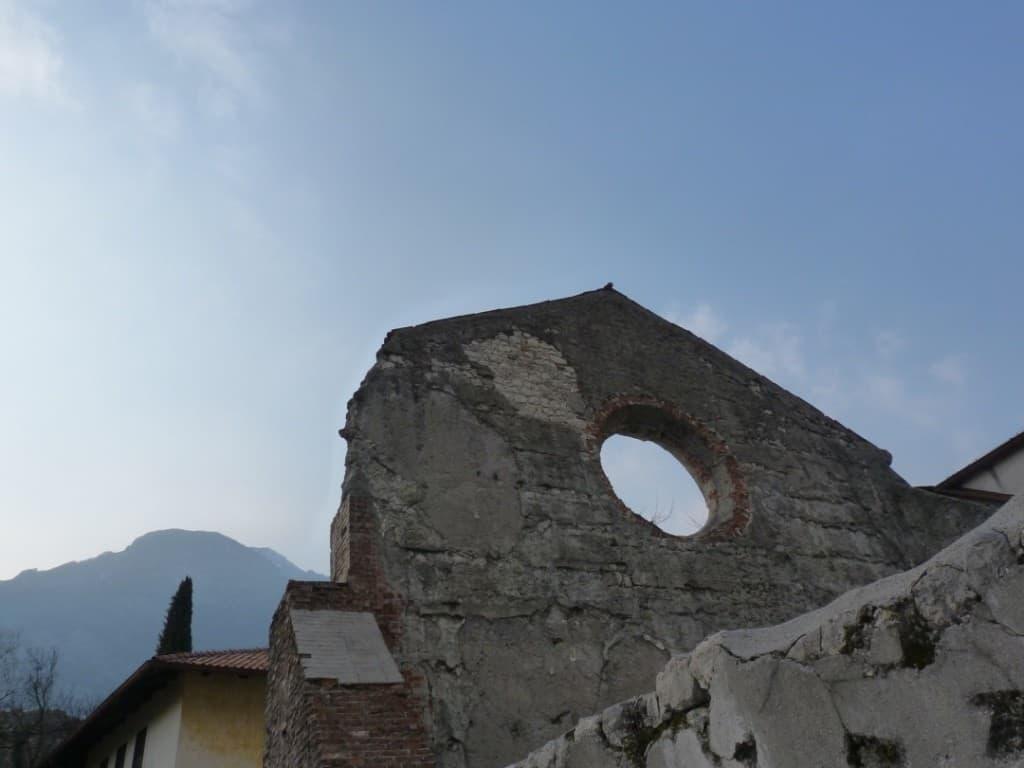 Venzone dopo il terremoto del 1976