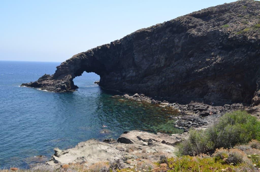 Arco dell'elefante, è il simbolo dell'isola.